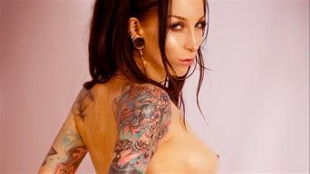 Razor Candi in 'Slick Oiled and Toned Tattoo Babe Razor Candi'